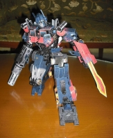 Simple Optimus Prime build by Rew Papercrafter