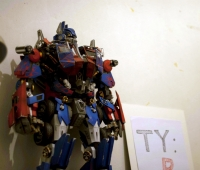 Optimus Prime build by Gu Feng
