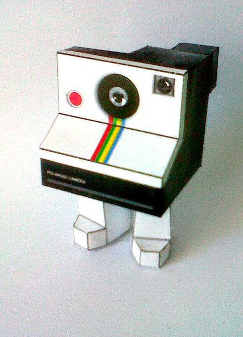 rinoceronte wrestler and polaroid camera paper crafts