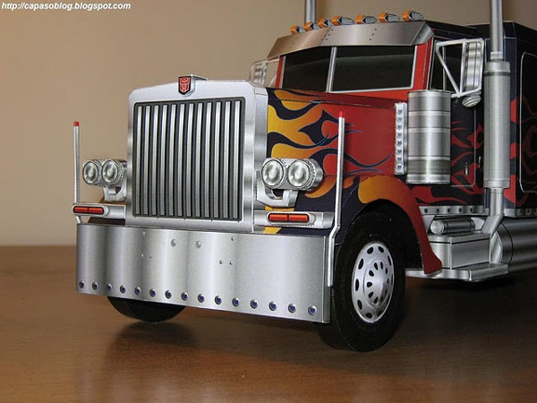 Built A3 Peterbilt 379 - Optimus Prime